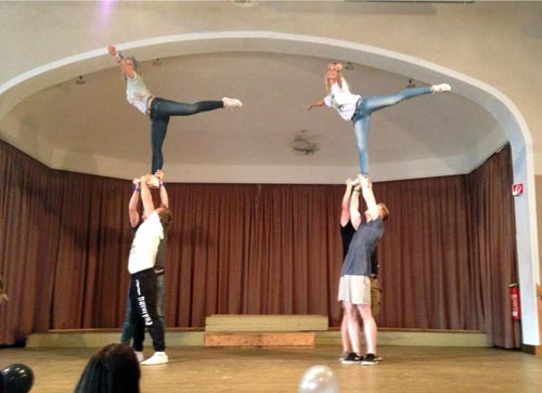 Akrobatik auf unserer Bühne